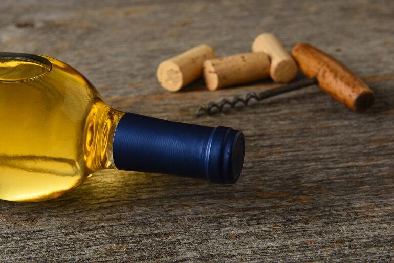 Sauvignon-Blanc-mit-Korkenoeffner