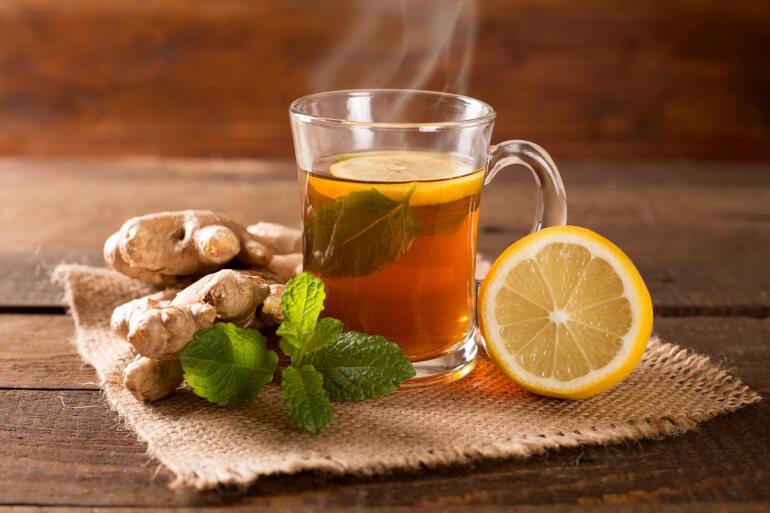 Zitronen-Ingwer Tee mit Minze